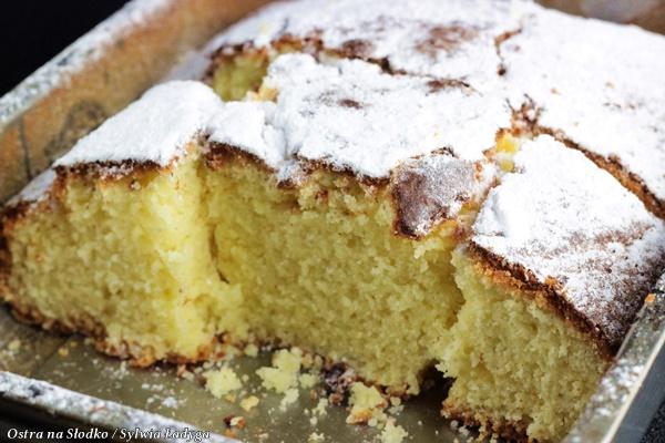 jogurtowe kubeczkowe , ciasto jogurtowe , Gâteau au Yaourt , szybkie ciasto , ekspresowe ciasto , latwe ciasto , pyszne ciasto , ostra na slodko , sylwia ladyga (3)x