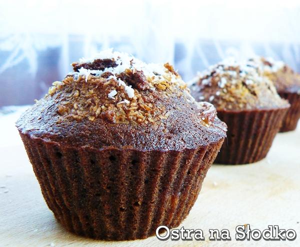 muffinki czekoladowe , muffinki bananowe , muffinki z bananami , muffinki z czekolada , muffinki migdalowe , banana , cupcakes , ostra na slodko
