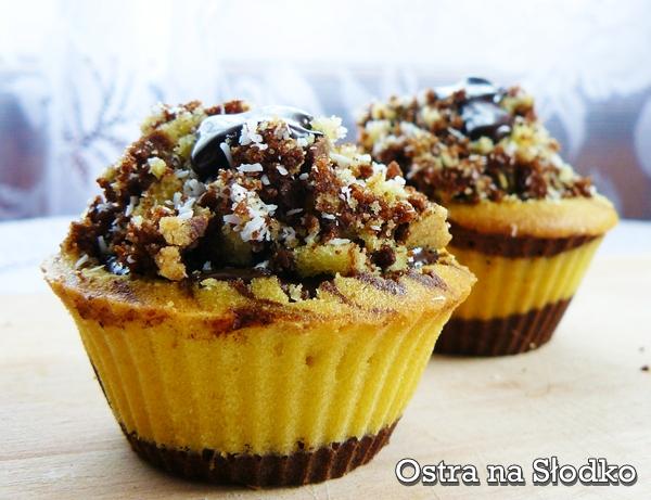 muffinki zebra , muffinki laciate , czekolade muffinki , muffinki waniliowe , muffinki kkaowe , muffinki z kokosem , cupcake , ostra na slodko