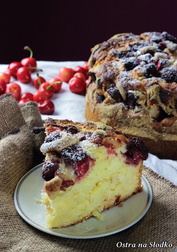 ciasto z truskawkami , ucierane z truskawkami , z truskawkami na kefirze , ciasto ucierane z owocami , ostra na slodko , latwe przepisy , sylwia ladyga (4)x