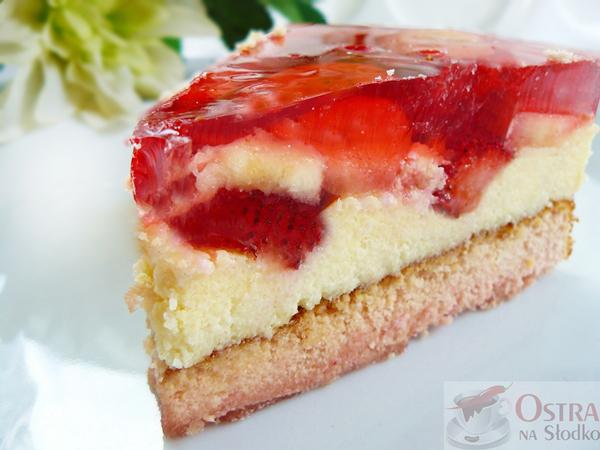 ciasto-truskawkowe-ciasto-z-kaszy-manny-mannej-ciasto-z-galaretka-pyszne-ciasta-tanie-ciasta-ciasto-z-owocami-i-galaretka-ostra-na-slodko
