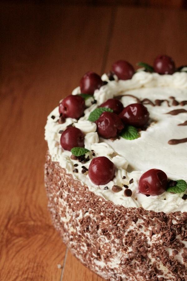 tort-czarnolas-szwarcwaldzki-czekoladowy-wisniami-latwy tort , tani tort , ostra na slodko xxxx