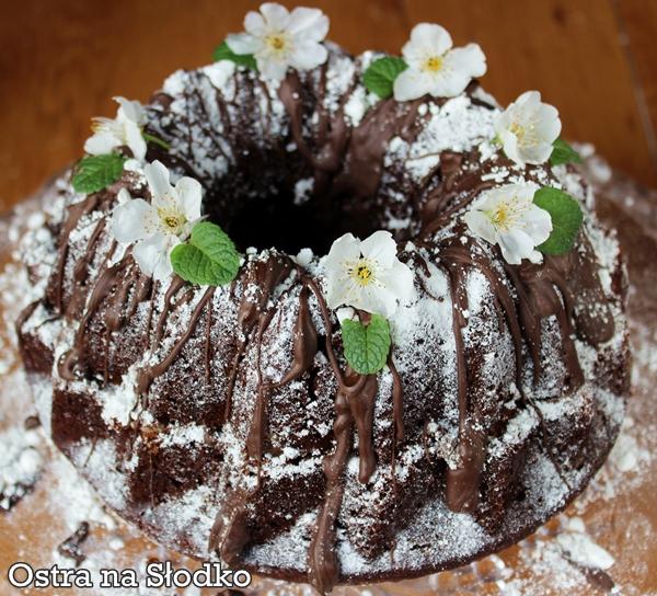 babka czekoladowa , babka kakaowa , ciasto czekoladowe , krem waniliowy , krem z migdalami , babka z kremem , swiateczne przepisy , kasia margaryna , ostra na slodko 2xxxxxxxxx