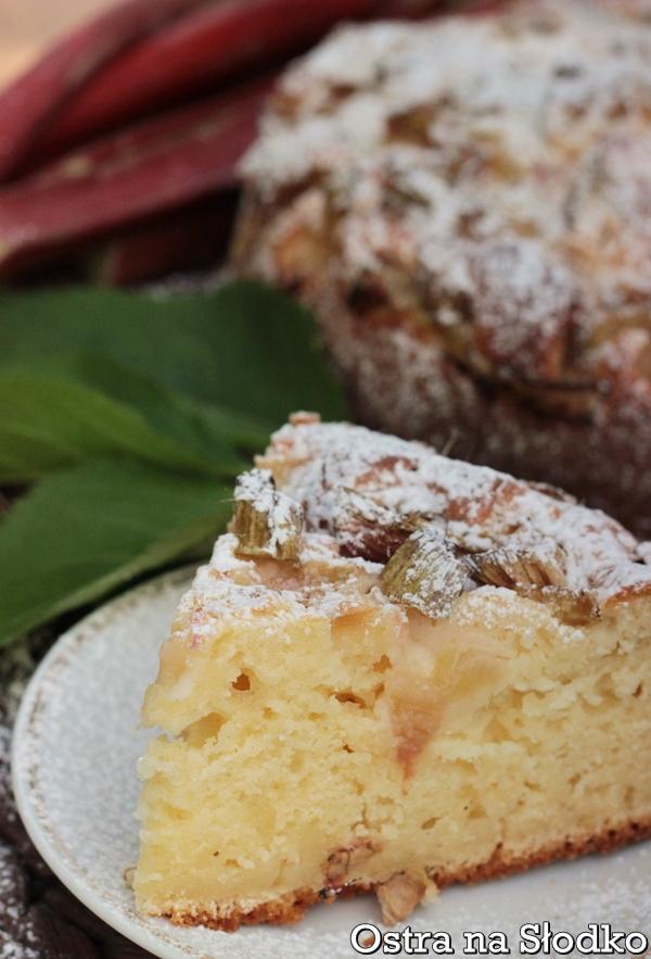 ciasto z rabarbarem , ucierane z rabarbarem  , jogurtowe , ciasto tanie , latwe ciasta z rabararem , ostra na slodko xxxxxxxx