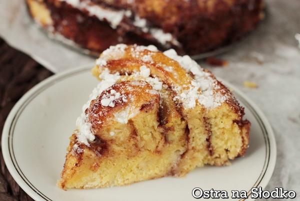 ciasto cynamonowe , cinnabon , cinamon rolls , ciasto drozdzowe z cynamonem , masa cynamonowa , tanie ciasta , latwe ciasta , ostra na slodko 4 xxxx
