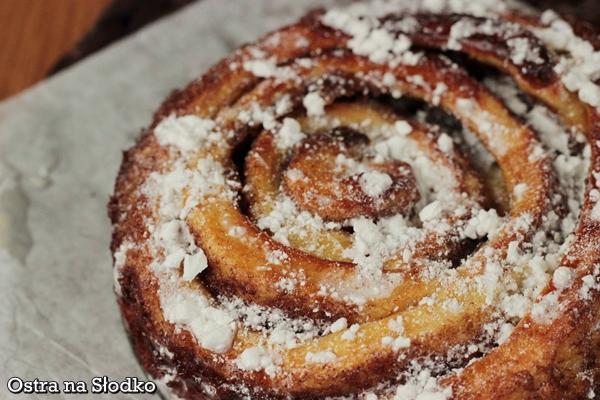 ciasto cynamonowe , cinnabon , cinamon rolls , ciasto drozdzowe z cynamonem , masa cynamonowa , tanie ciasta , latwe ciasta , ostra na slodko xxxx