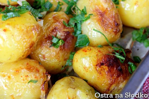 pieczone ziemniaki , mlode ziemniaki , mlode ziemniaki na ostro , ziemniaki ze szczypiorkiem , ostra na slodko (4)xxx
