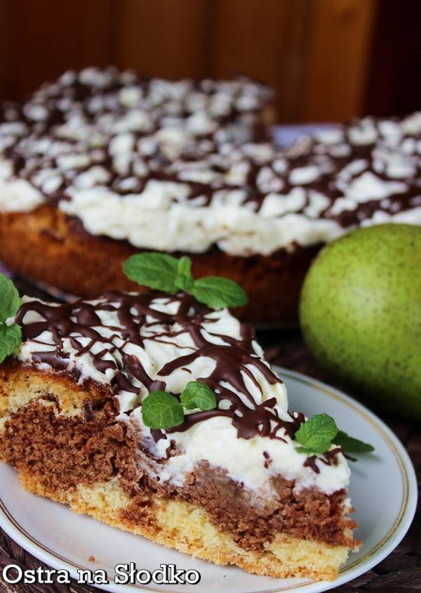 ciasto z gruszkami , ciasto czekoladowe , czekoladowe z gruszkami , gruszkowe , jesienne ciasta , ciasto z bita smietana , pyszne ciasta , ostra na slodko (5)xx