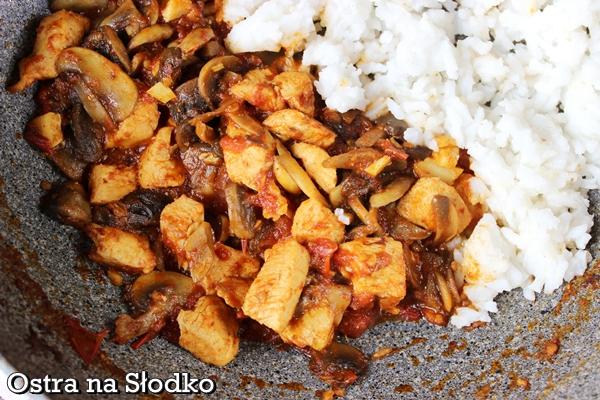 curry z kurczaka , curry z pieczarkami , curry z ryzem , curry indyjskie , kuchnia indyjska , indie , pyszne dania z indii , ostra na slodko (3)xx