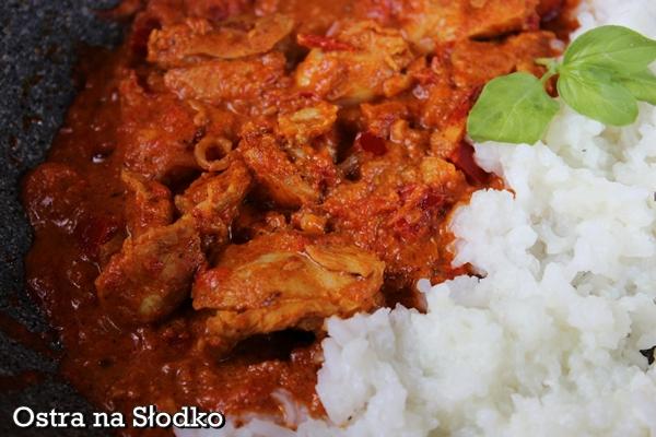 kurczak tikka masana , chicken tikka , kuchnia indyjska , hinduska , indie , pyszny kurczak , soczysty , pyszny sos do kurczaka , ostra na slodko , tani obiad , kurczak z ryzem (3)xx