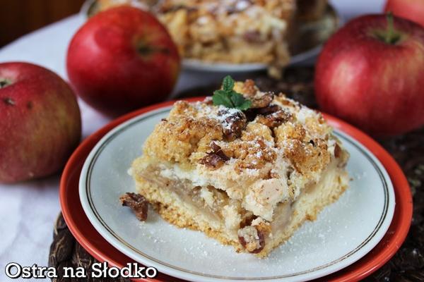 szarlotka , jablecznik , ciasto z jablkami , szarlotka z kruszonka , szarlotka z orzechami , pyszne ciasto , jesienne ciasto , przepis na szarlotke , ostra na slodko , pyszne ciasta
