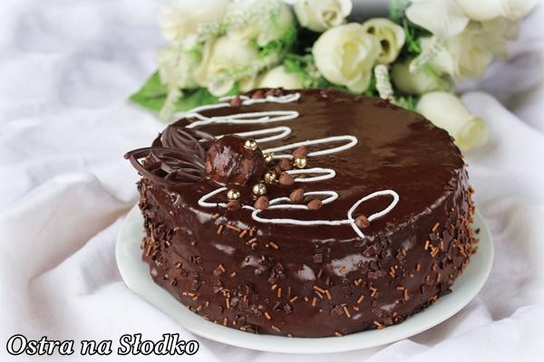 tort czekoladowy , pyszny tort , krem do tortow , krem czekoladowy , puszysty biszkopt , fruzelina , ostra na slodko , latwy tort , pyszny tort na swieta, ganache