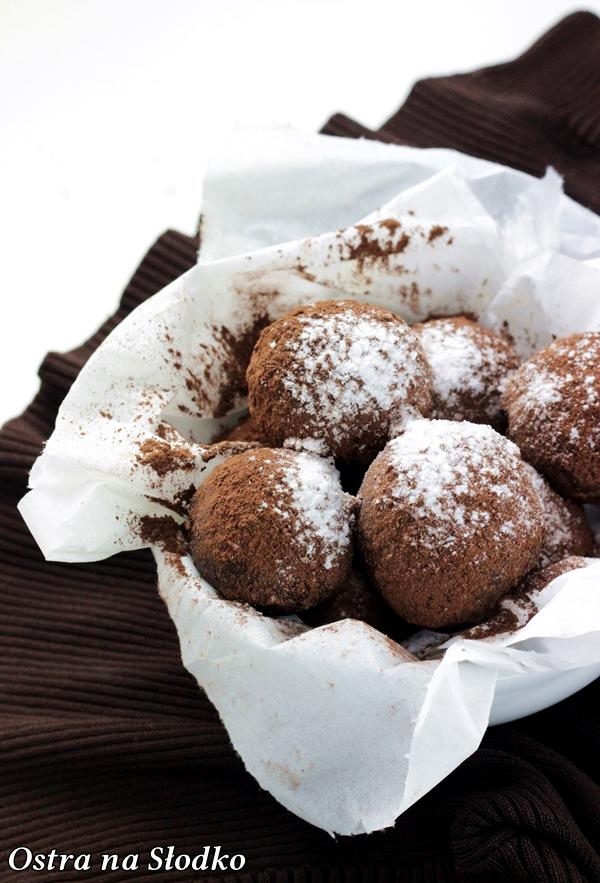 czekoladowe trufle , trufle kakaowe , praliny, jak sie robi trufle pralinki , ostra na slodko , blog kulinarny , najlepszy blog , czekoladowe przepisy 7x