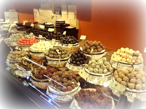 krakowska manufaktura czekolady , paclan , czekoladowe warsztaty , warsztaty ostra na slodko , pralinki , jak zrobic praliny , jak sie robi czekolade (2)