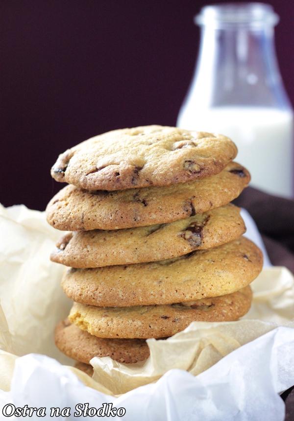 ciastka z czekolada , pieguski , ciastka nigella , chrupiace ciastka , american cookies , ostra na slodko , latwe przepisy (6)xx