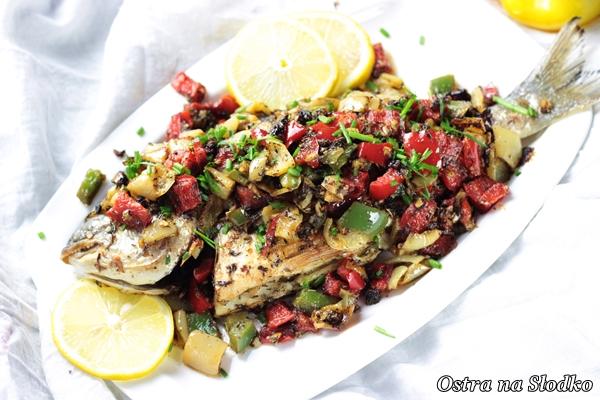 ryba po libansku , dorada po libansku , dorada w papryce , kolorowe papryki , kuchnia orientalna , pyszna ryba , ostra na slodko , blog kulinarny , latwe przepisy (5)xx