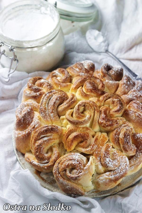 drozdzowe roze , ciasto drozdzowe , puszyste ciasto , rozyczki drozdzowe , ostra na slodko , blog kulinarny , pyszne ciasta (1)xx