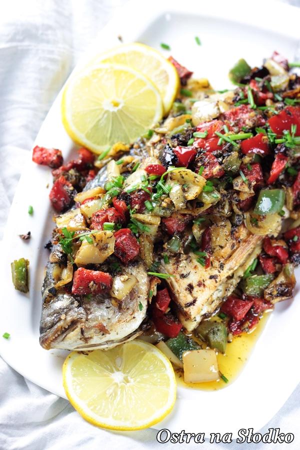 ryba po libansku , dorada po libansku , dorada w papryce , kolorowe papryki , kuchnia orientalna , pyszna ryba , ostra na slodko , blog kulinarny , latwe przepisy (1)xx