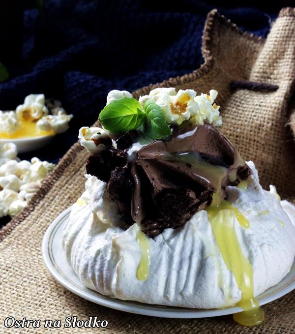 carte d'or , lody brownie , chocolate brownie , brownie czekoladowe , lody brownie , pavlova , sos karmelowy , solony karmel , lody czekoladowe najlepsze , deser lodowy , ostra na slodko (13)xx