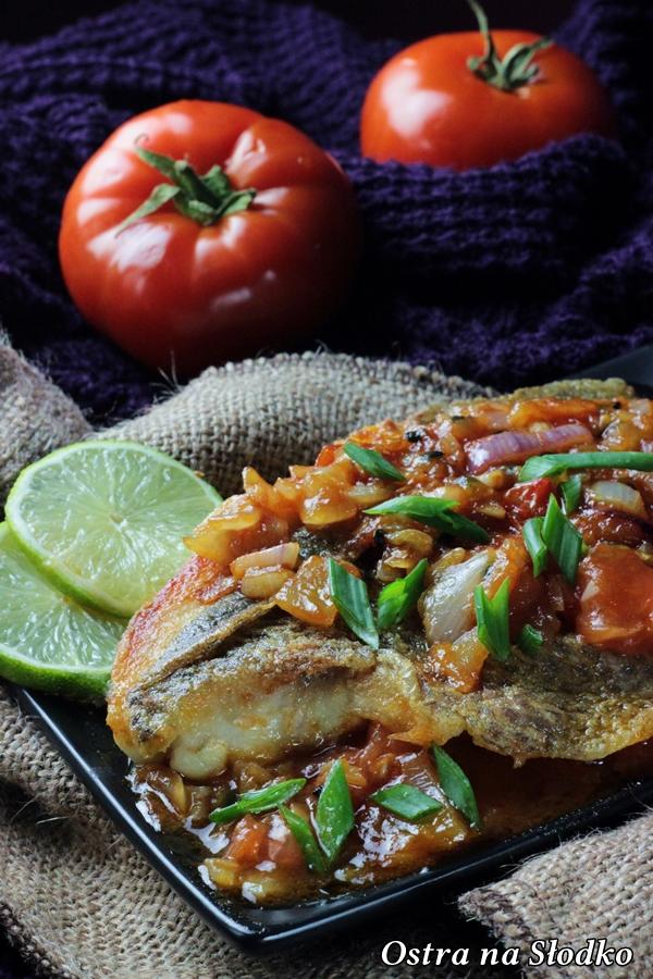 barwena , barwena w pomidorach , sos z pomidorow do ryby , ryba w pomidorach , pyszna ryba , kuchnia indyjska , ostra na slodko (3)x
