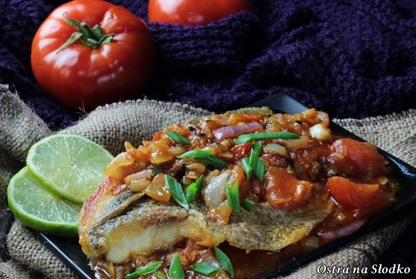 barwena , barwena w pomidorach , sos z pomidorow do ryby , ryba w pomidorach , pyszna ryba , kuchnia indyjska , ostra na slodko (5)x