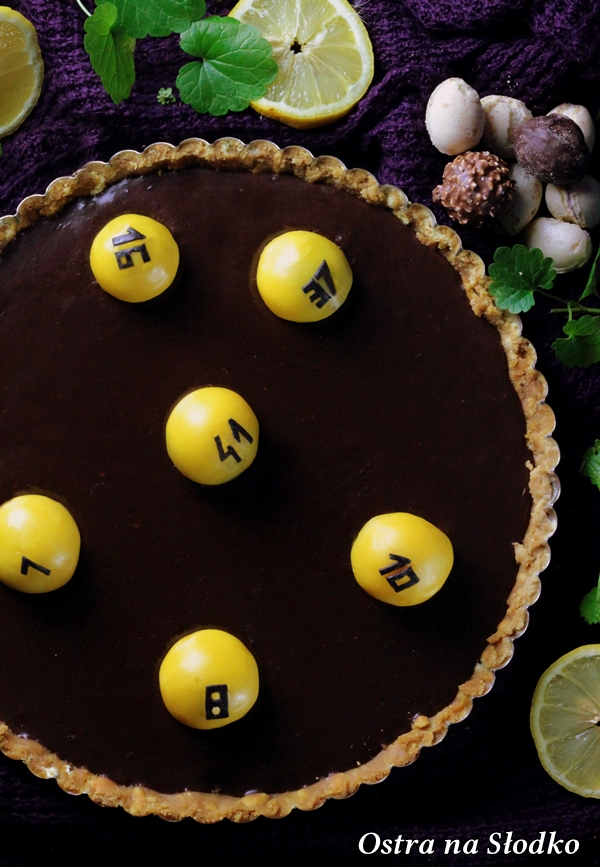 tarta czekoladowa , tarta ferrero rocher , tarta bez pieczenia , krem czekoladowy , lukier plastyczny , sylwia ladyga , losowanie lotto (3)x