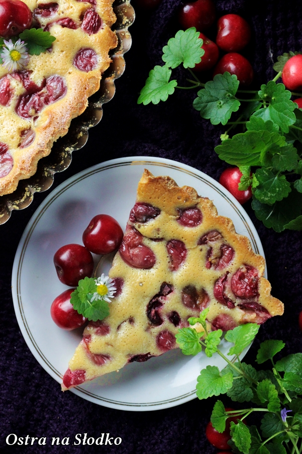 clafoutis z czeresniami , klafutis , clafouti , zapiekanka z owocami , omlet z owocami , ostra na slodko , sylwia ladyga (5)x