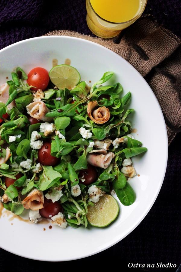 salatka grecka , salatka z roszponki , ser halloumi , salatka na sniadanie , ostra na slodko sylwia ladyga 2x