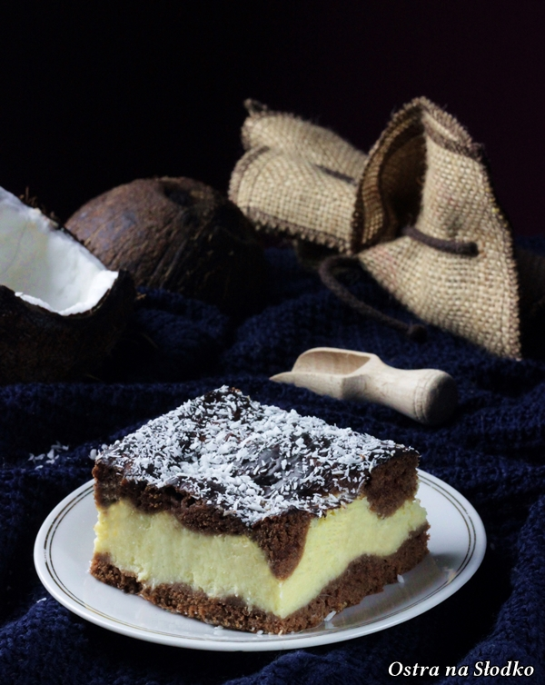 sernik kokosowy sernik na kakaowym spodzie , sernik z kokosem , kokosowe ciasto , najlepszy sernik , krempowy puszysty sernik , ostra na slodko (1)x