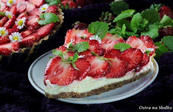 tarta z mascarpone i truskawkami , tarta truskawkowa , tarta bez pieczenia , tarta z kremem , pyszne tarty , ostra na slodko , krem mascarpone (5)x