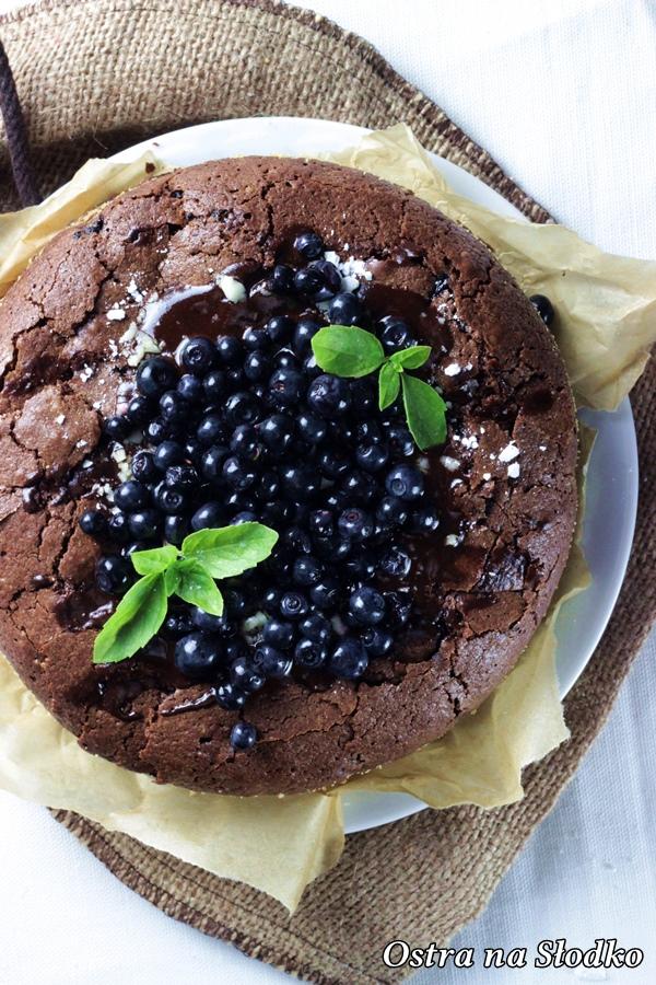 brownie , czekoladowe brownie , brownie z borowkami , ciasto czekoladowe , tort czekoladowy , ostra na slodko , sylwia ladyga (3)x