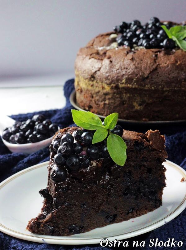 brownie , czekoladowe brownie , brownie z borowkami , ciasto czekoladowe , tort czekoladowy , ostra na slodko , sylwia ladyga (6)x