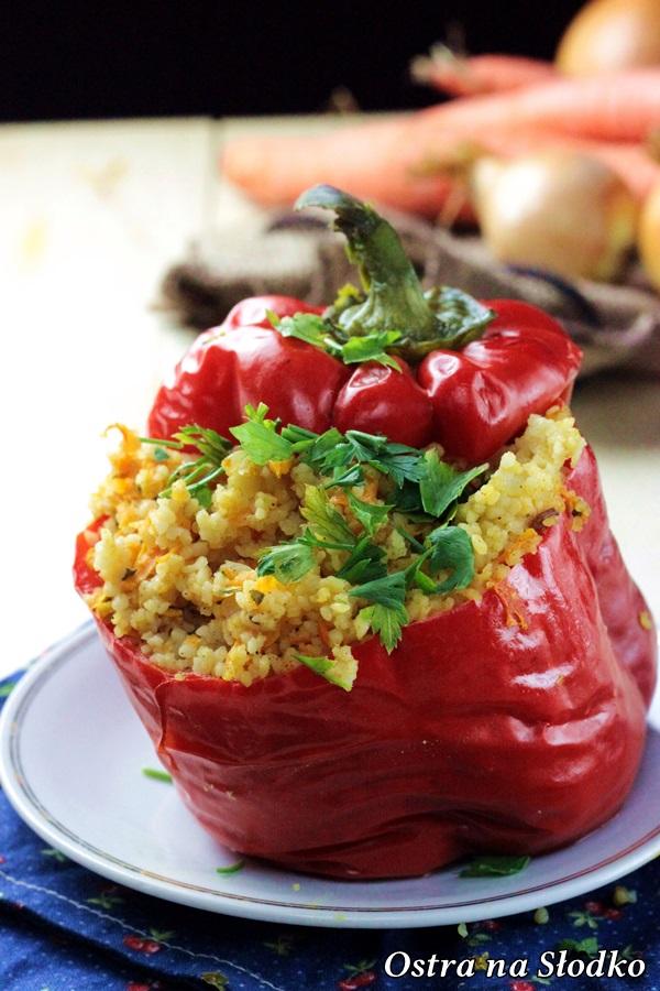 papryka faszerowana , nadziewana papryka , papryka z kurczakiem i kuskusem , przepisy fit , dietetyczne przepis, ostra na slodko (2)xxx