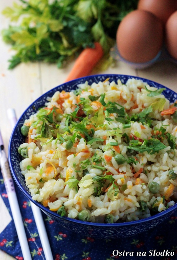 pilaw, pilaw z groszkiem i marchewka , dietetyczny pilaw , dietetyczne przepisy , kuchnia fit , ostra na slodko, ryz z groszkiem i marchewka (3)xxx