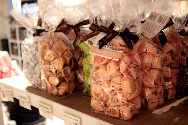 mediolan , milano , jesien w mediolanie , wlochy , food market (13)