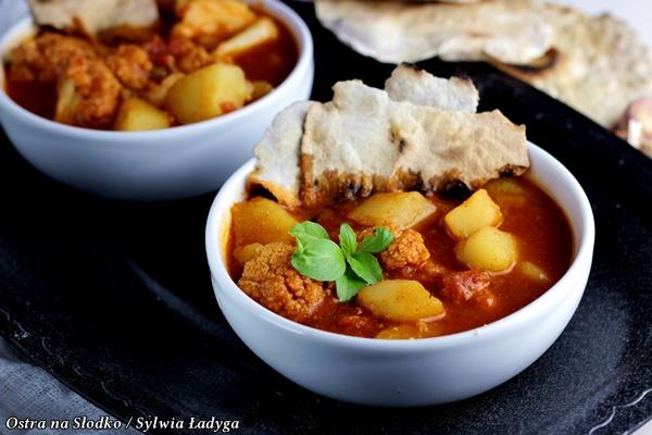 ALOO GOHBI - curry ziemniaczano-kalafiorowe, kuchnia indyjska , kuchnia orientalna , indie przepisy , ostra na slodko , gulasz warzywny (1)xx