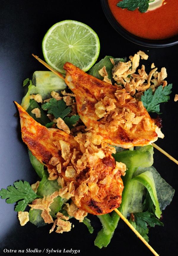 satay z kurczaka , sos curry , kurczak curry , miesne szaszlyki , kuchnia azjatycka , kuchnia indonezyjska , kuchnia tajska , ostra na slodko , patelnia szafirowa , woll , sklep egustus , gustus , ostra na slodko , blog kulinarny , sylwia ladyga