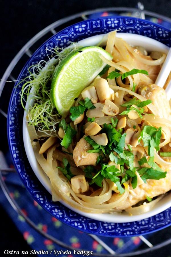 pad thai , pad thai chicken, kuchnia tajska , makaron z kurczakiem , kuchnia azjatycka , ostra na slodko (3)x