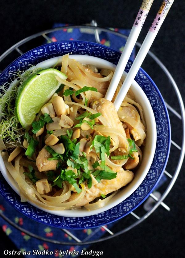 pad thai , pad thai chicken, kuchnia tajska , makaron z kurczakiem , kuchnia azjatycka , ostra na slodko (4)x