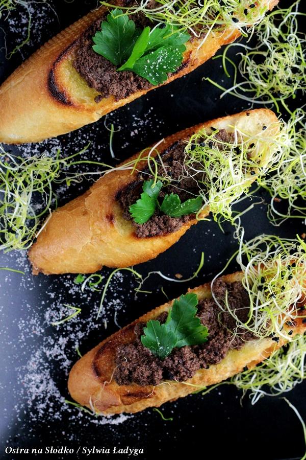 tapenada, pasta z oliwek , kuchnia srodziemnomorska , kuchnia wloska , pasta na grzanki , pasta do kanapek , ostra na slodko , sylwia ladyga , blog kulinarny