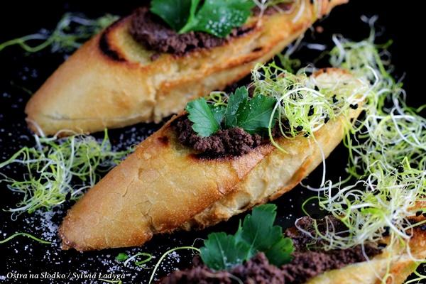 tapenada, pasta z oliwek , kuchnia srodziemnomorska , ostra na slodko , pasta do grzanek , pasta na kanapki (5)x
