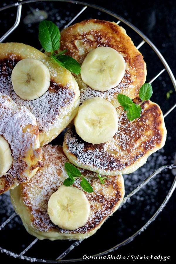 racuchy budyniowe , racuszki budyniowe z bananami , puszyste racuchy , racuchy najlepsze , racuszki sniadaniowe , ostra na slodko , sylwia ladyga , blog kulinarnym co na sniadanie , co na podwieczorek