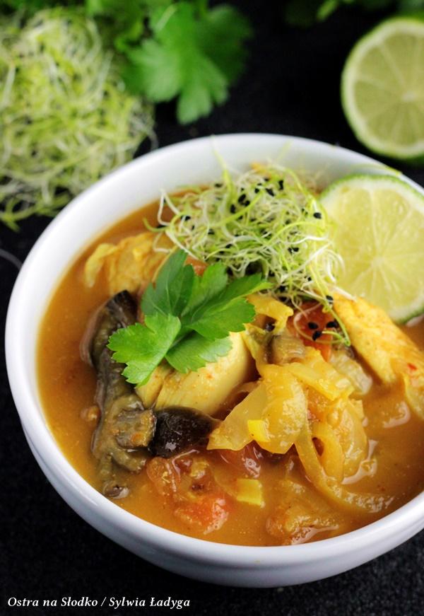 curry z kurczaka , zolte curry , kuchnia tajska , kuchnia orientalna , ostra na slodko , shitake przepisy (3)x