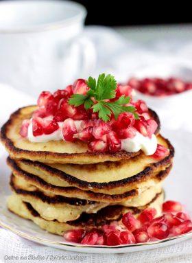 jogurtowe pancakes , pankejki , racuszki jogurtowe , jogurtowe placuszki , ostra na slodko , sylwia ladyga , blog kulinarny , racuszki na jogurcie , jak zrobic pyszne pancakes , blog kulinarny , latwe przepisy , przepis na sniadanie