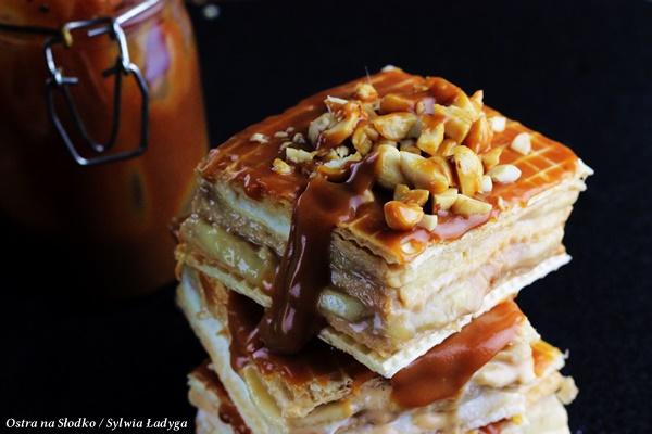 banoffee , snickers , ciasto karmelowe , ostra na slodko , solony karmel , sylwia ladyga , blog kulinarny , ciasto z karmelem i bananami (8)x