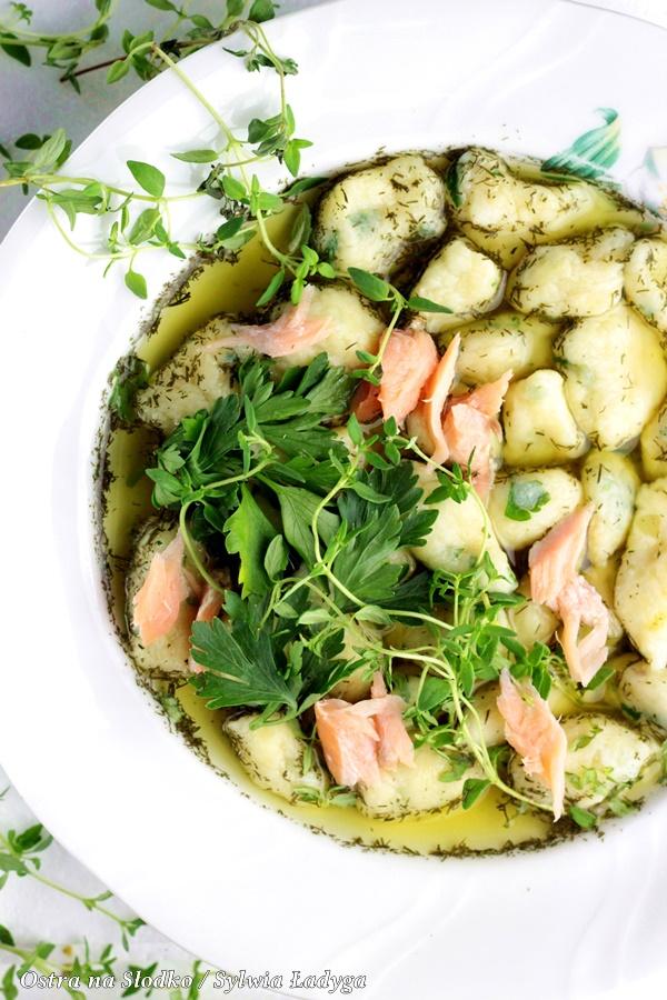 kopytka , kopytka pietruszkowe , losos wedzony , pyszny obiad , sylwia ladyga , ostra na slodko , blog kulinarny , losos na obiad (1)x
