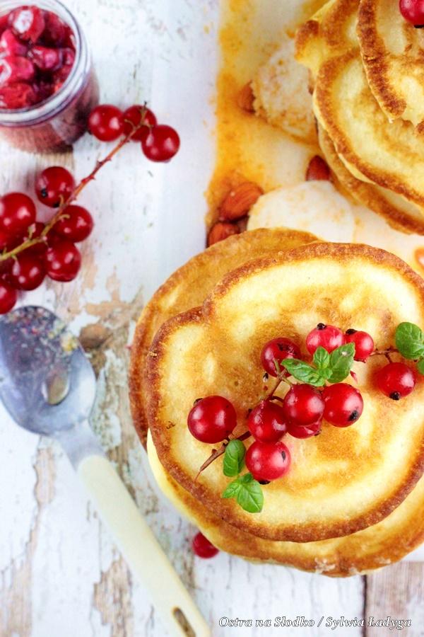 pikelets , kuchnia australijska , placuszki sniadaniowe , puszyste racuszki , plackuszki z owocami , ostra na slodko , sylwia ladyga (1)x