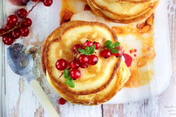 pikelets , kuchnia australijska , placuszki sniadaniowe , puszyste racuszki , plackuszki z owocami , ostra na slodko , sylwia ladyga (2)x