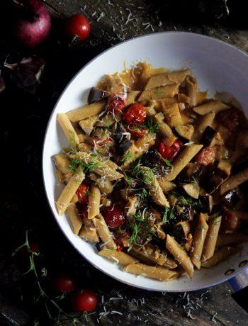 penne z baklazanem , makaron z pomidorami , ostra na slodko , sylwia ladyga , makaron w sosie , makaron z baklazanem , szybki obiad , tani obiad , baklazan przepisy, blog kulinarny, najlepszy blog kulinarny