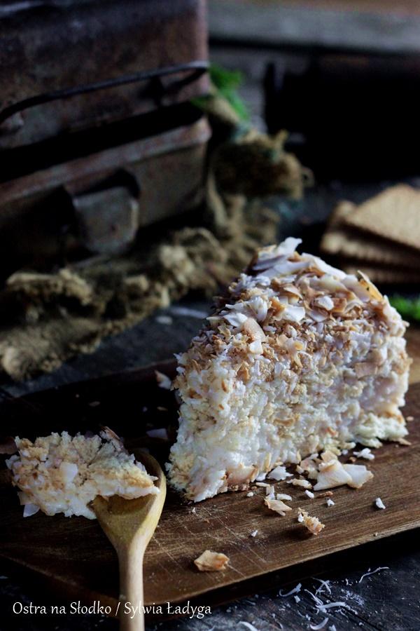 rafaello-na-krakersach-kokosowe-rafaello-ciasto-kokosowe-bez-pieczenia-ostra-na-slodko-sylwia-ladyga-8x